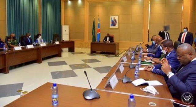 Félix Tshisekedi interdit aux ambassadeurs de quitter Kinshasa pour les provinces